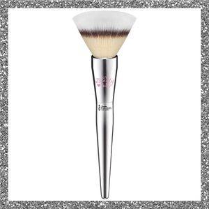 It Brushes Flawless Powder Makeup Brush #202
